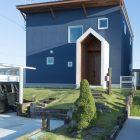 三角アーチが映える 開放的な家
